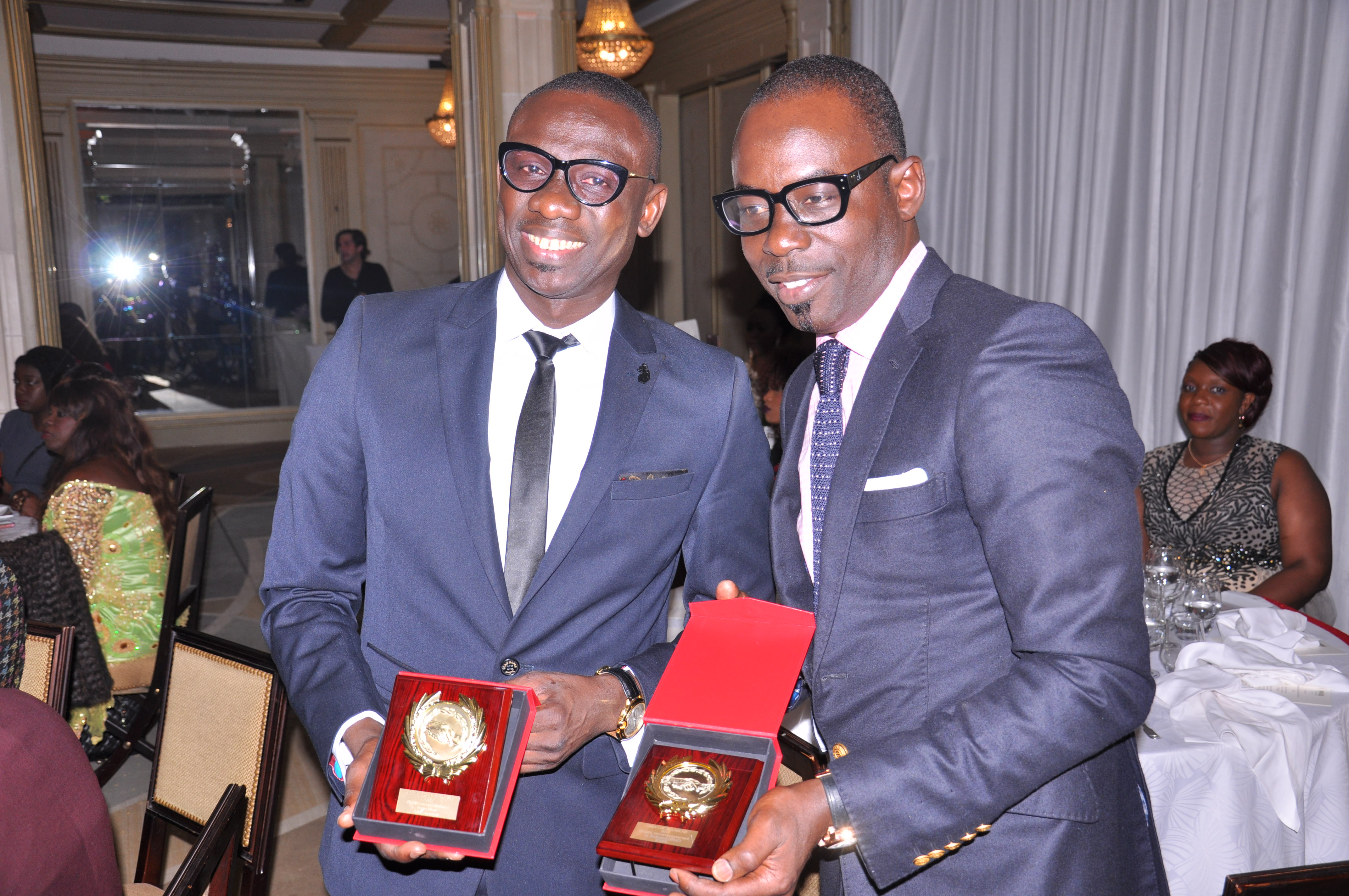 Boubacar Diallo, animateur présentateur, Pape Diouf ex PDT de Marseille, Thierno Ba honorés au Gala Chic et Glamour de Paris.