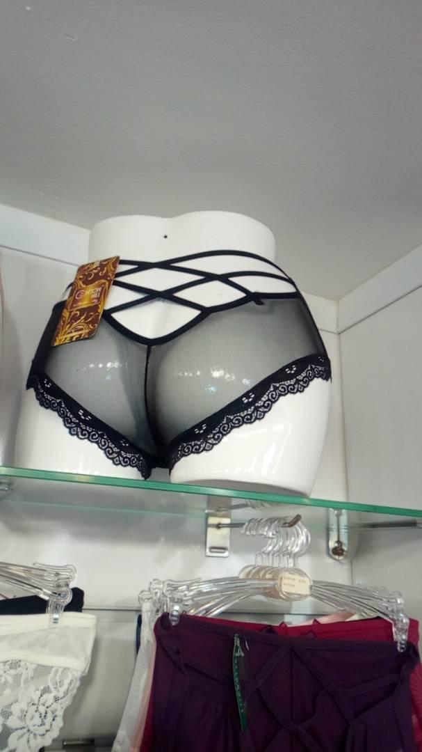 Nouvel arrivage au complexe Neymane Coiffure à 150 m de la Boulangerie Jaune: Des lingeries ultra sexy à vous couper le souffle.