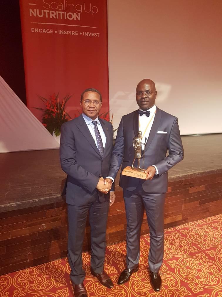 DISTINCTION : le Gabon reçoit une distinction à travers Yves Fernand Manfoumbi, Ministre Gabonais de l'Agriculture, de l'Elevage, Chargé du Programme Graine, sacré Lauréat du prix SUN 2017.