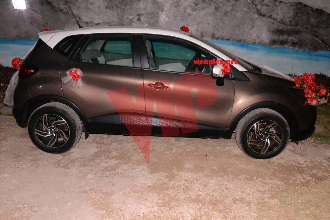 Le cadeau de El Hadj Ndiaye à sa fille Diéba le jour de son mariage. Regardez cette belle voiture.