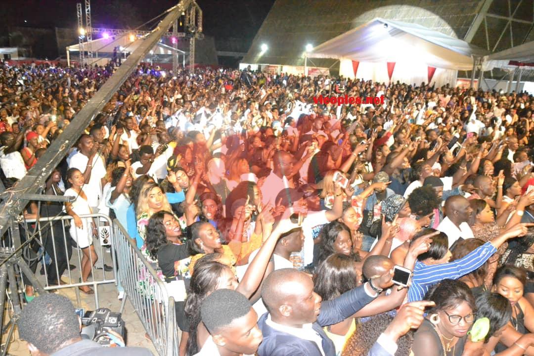 Les images qui montrent le bonheur des fans devant Youssou Ndour au CICES ce 30 juin.