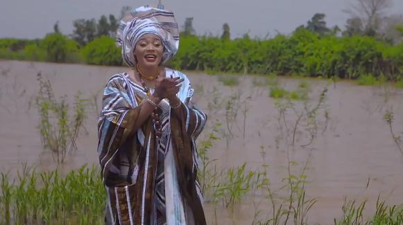 Exclusif: Découvrez Le nouveau clip de Mariama BA  » Fulbé  »