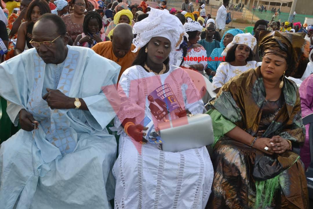"""PARI DE LA MOBILISATION RÉUSSI:Les images de l'investiture du candidat de """"GUEUM SA BOOP"""" Bougane Guéye au stade Amadou Barry."""