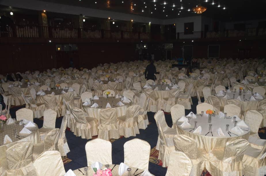 """72 H EN GAMBIE: Pape Diouf en sound check au """"PENCH MI"""" du Paradise Hotel avant le Gala Diner"""