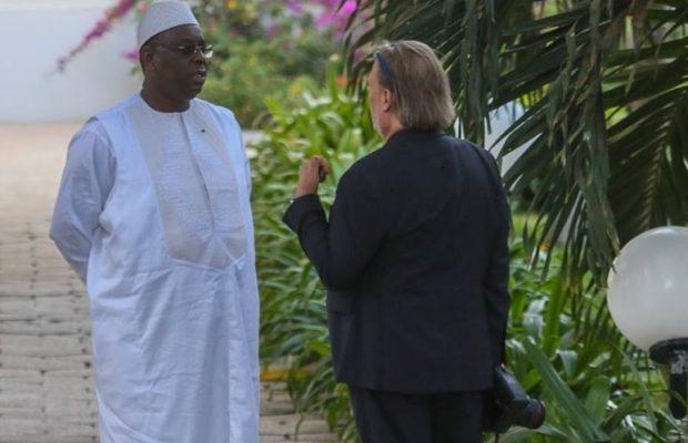 Le Président Macky Sall en toute complicité avec son photographe