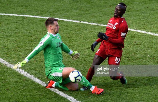 Liverpool renverse Burnley grâce à un doublé de Sadio Mané