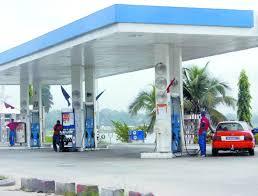 Jaxaay - Agression et vol à main armée: Une station d'essence attaquée par des agresseurs