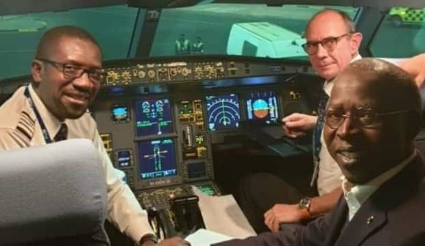 Le Premier Ministre Mahammed Boun Abdallah DIONNE voyage à bord d'Air Sénégal