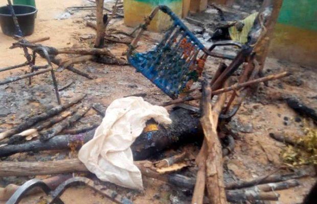 Dans le village attaqué au Mali : « Ils ont tout brûlé et tué tout ce qui bougeait encore »