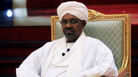 Soudan : le président déchu Omar el-Béchir transféré en prison