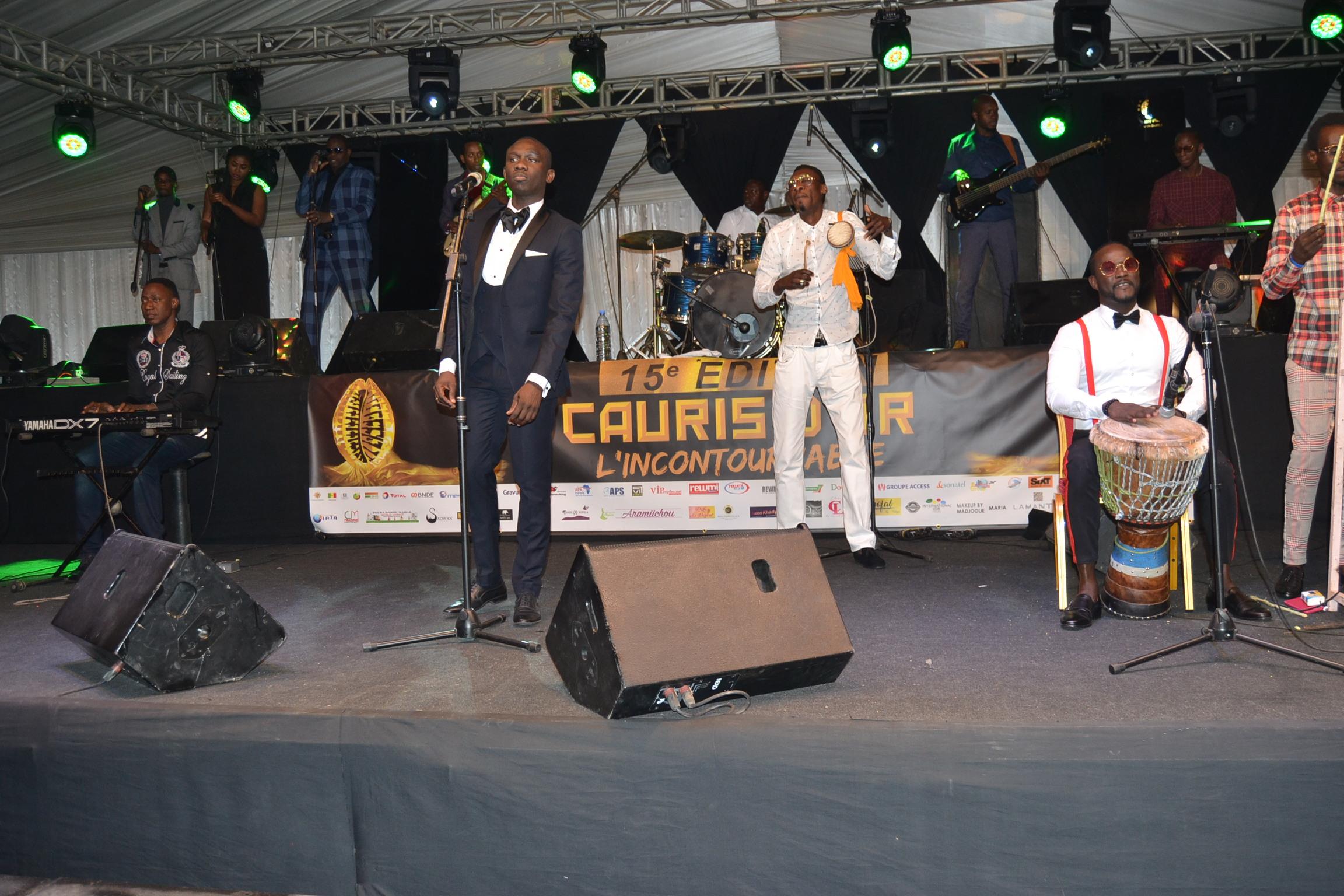 CAURIS D'OR :Pape Diouf met le feu à la cérémonie de remises de distinctions ce samedi 20 avril au King Fahd Place. REGARDEZ