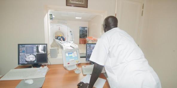 Écarté du gouvernement: Un ex-ministre de Macky Sall, renfile sa blouse de médecin