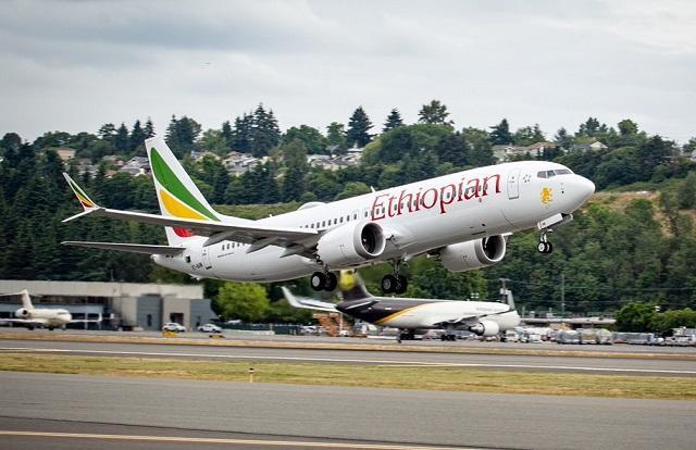 Accidents de Boeing 737 MAX: Boeing reconnait des défauts
