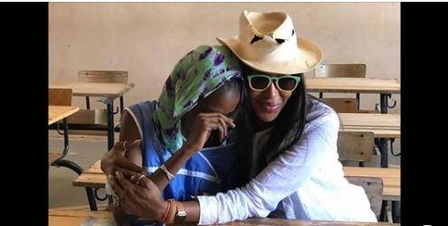 En séjour au Sénégal : Naomi Campbell rend visite au CEM Jean-Claude Mimran de Richard-Toll