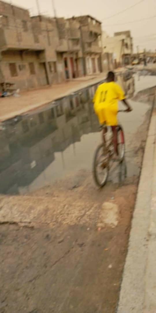 SOS: Dans une rue de Pikine à Saint-Louis, les eaux usées dictent leur loi