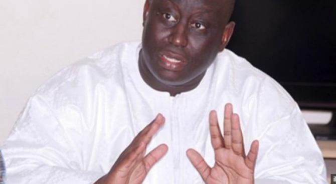 """Moustapha Guèye: """" Aliou Sall a commencé à travailler avant l'accession au pouvoir de Macky Sall """""""