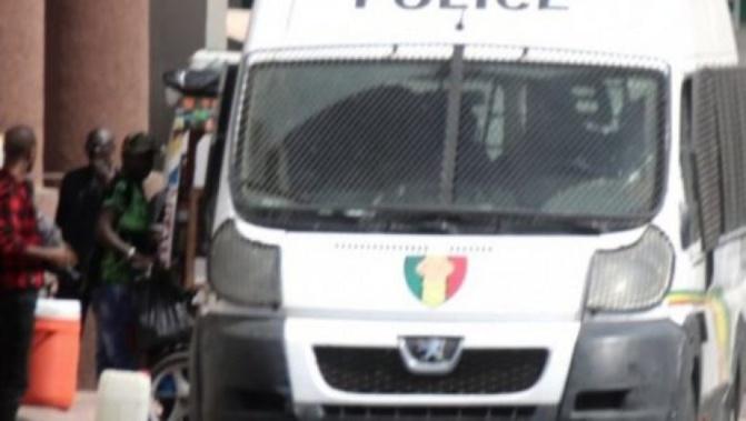 """Thiès: Une """"Karimiste"""" arrêtée pour « proxénétisme et incitation à la débauche »"""