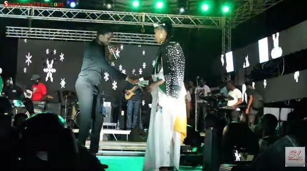 Regardez ce que fait waly seck a Marius Ndiaye