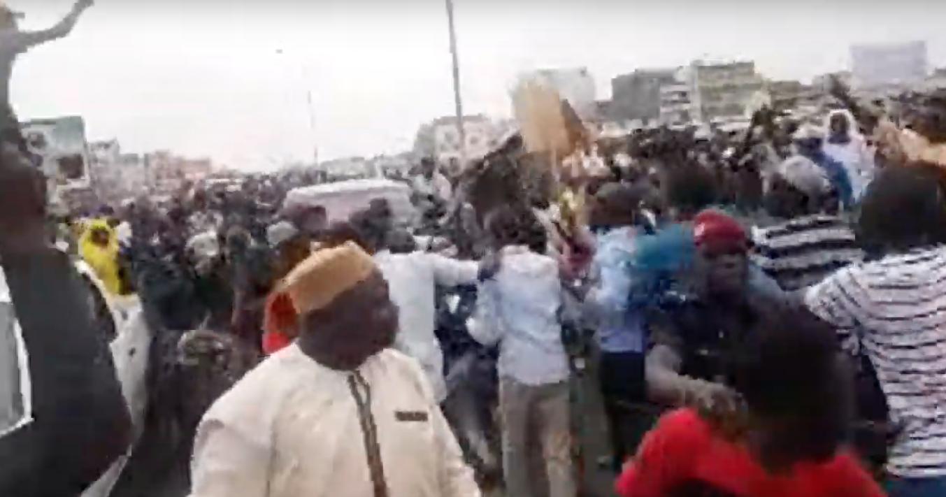 Direct mairie de Guédiawaye, les réactions de soutien à Aliou Sall se manifestent et protestent contre sa décision de démissionner de la CDC.