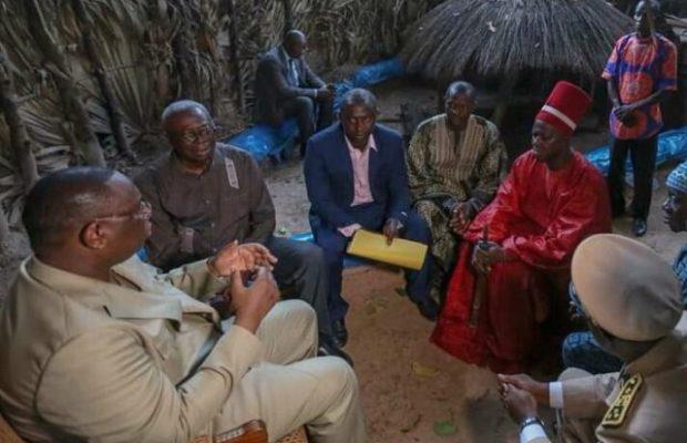 Vidéo -CAN 2019: Le Roi d'Oussouye prie pour les lions de la Téranga