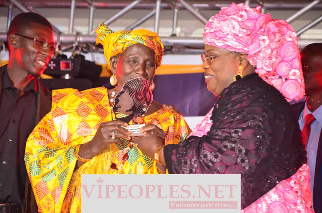 "VIDEO - Aminata Mbengue Ndiaye: "" Na jigèn yi am jom, am dignité mais surtout nanu sawar"""