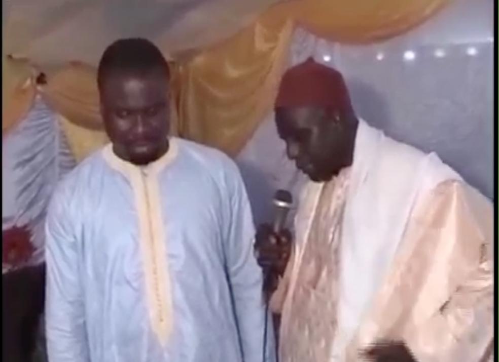 Moustache MBENGUE ,Maire de keur Massar en compagnie de Serigne Ismaîla Mbacke Gainde Fatma et Omar Mbacke Gaind