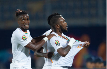 DJ Arafat ''mitraillé'' par les ivoiriens après ses injures à Serey Dié, après le penalty raté
