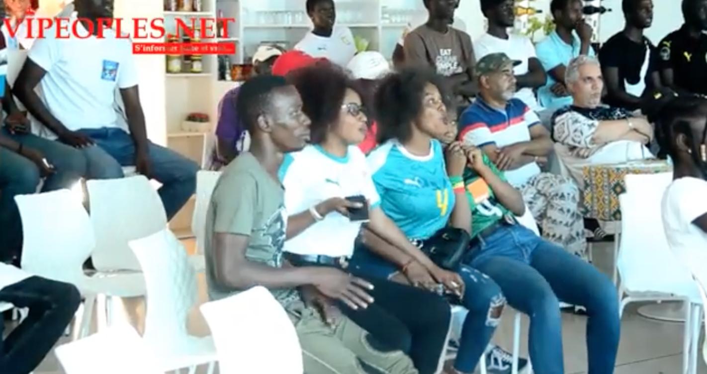 Place du souvenir ambiance après le match Senegal Tunisie