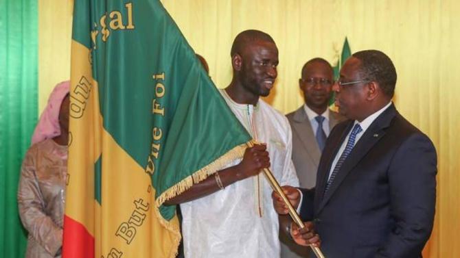 """Macky Sall félicite les """"Lions"""" de football:"""" Toute la Nation est fière de vous"""""""