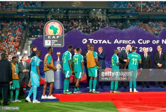 FINALE CAN: SENEGAL ALGERIE, désolation des supporters Sénégalais après la défaite.