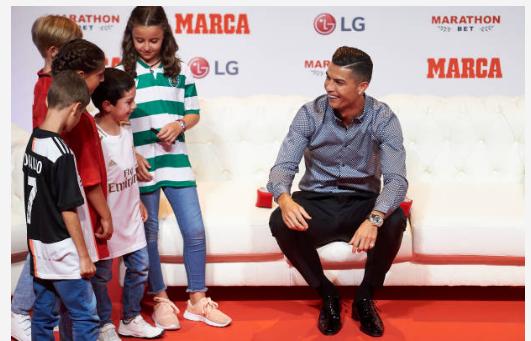 Ronaldo : « La Juventus va remporter la Ligue des champions » « J'espère revenir le plus tôt possible à Madrid » Neymar va rester au PSG
