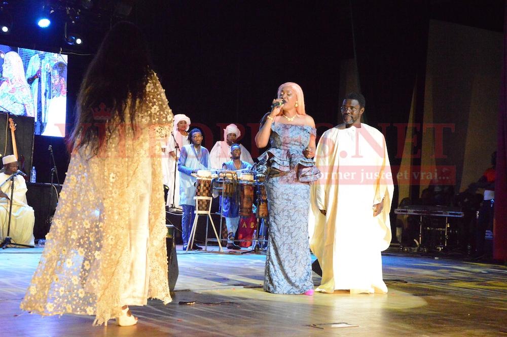 GRAND THEATRE AVEC TITI: Ndella Madior Diouf se montre proche de la lionne de la musique Sénégalaise.