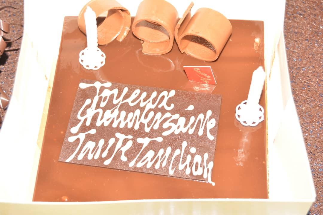 Le cadeau de Colé Faye patronne de COBRA BEAUTY HAIR à son frére Tange Tandian pour son anniversaire: Une montre et bracelet ROLEXE.