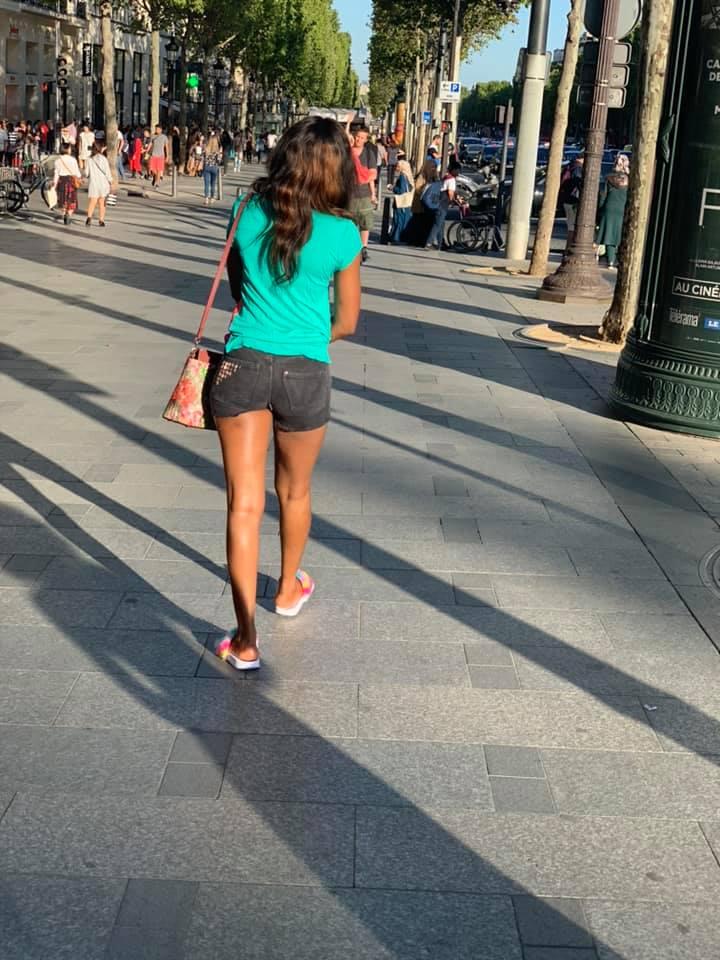 France : Quenn Bizz en mini sous fesse et une tenue qui risque de créer une polémique …