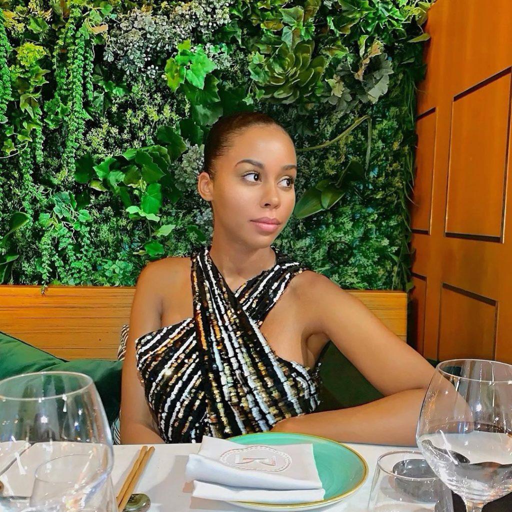 """Léa Soukeyna Ndiaye """"TFM"""" croque la vie à pleines dents à Paris"""