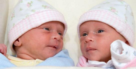 A 73 ans, une Indienne donne naissance à des jumelles