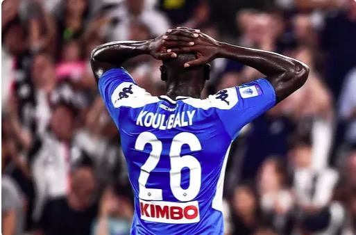 Mercato- Le président de Naples a refusé une offre de 100M€: La Réaction de Koulibaly !