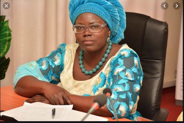 Homonyme : La ministre du commerce Aminata donne le nom de Macky Sall à son fils.