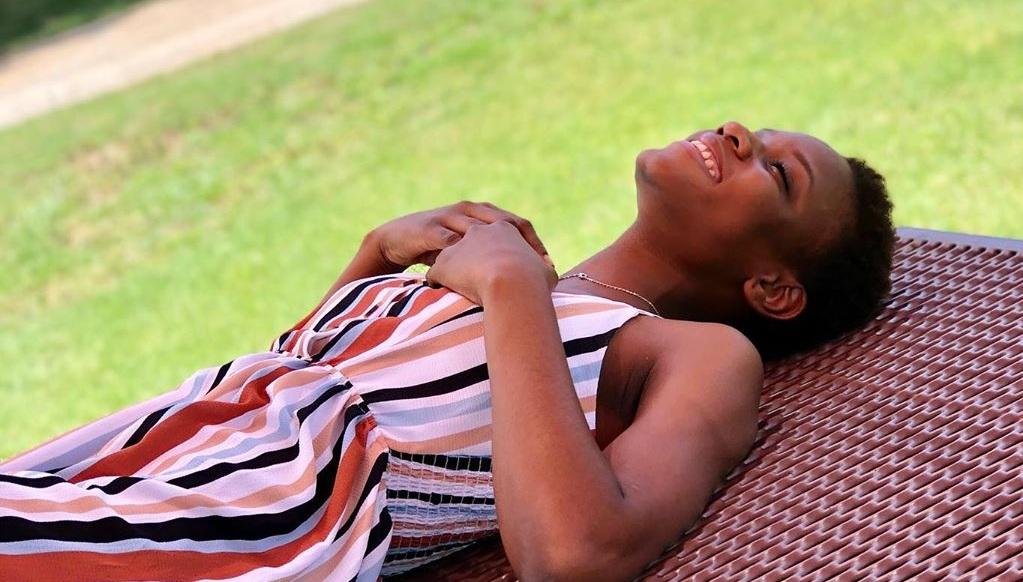 L'actrice Nafi au meilleure de sa forme, en mode Relax