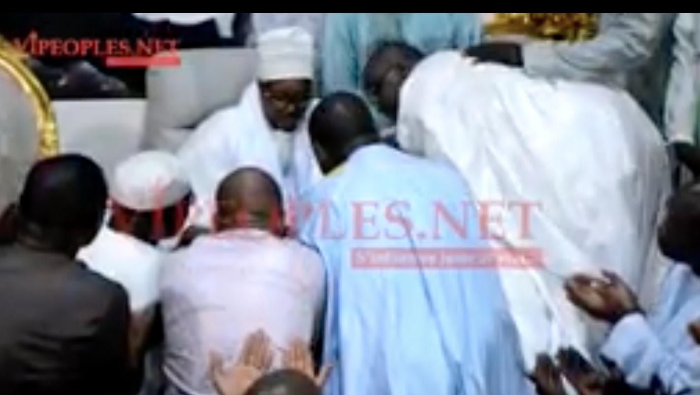 VIDEO: Birane Ndour DG du GFM et la délégation du groupe chez Serigne Bass Abdou Khadre