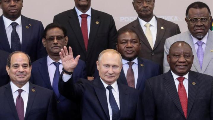 Poutine se félicite de la «nouvelle page» ouverte avec l'Afrique à Sotchi