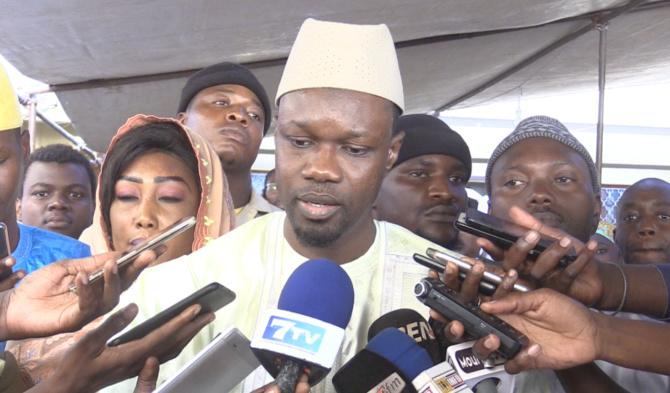 Ousmane Sonko reçu à Tivaoune : « le khalife nous a demandé… »