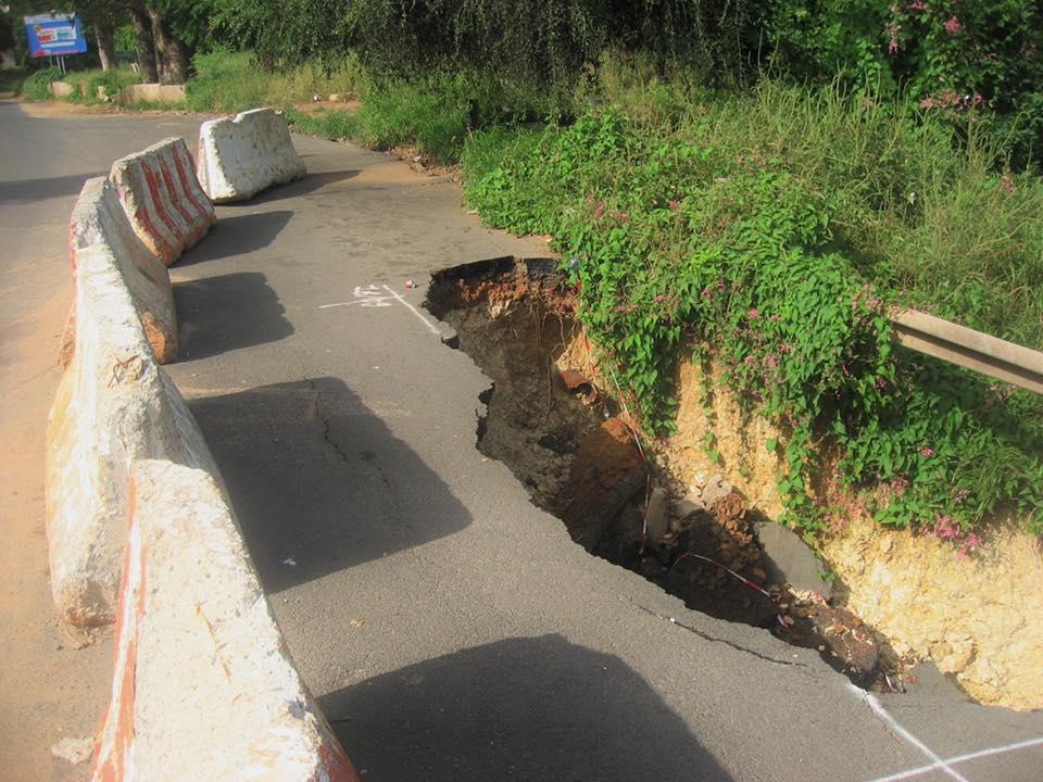 Alerte- Effondrement de la Corniche Est : Un risque d'avoir une rupture totale de la voie