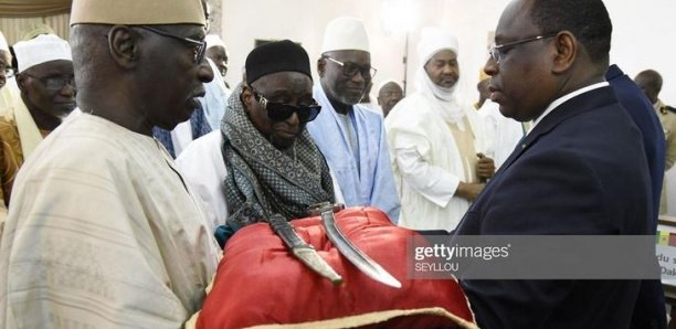 """Sabre d'El Hadji Oumar Tall: Il ne s'agit pas d'une restitution, mais plutôt d'un """"prêt de 5 ans"""" au Sénégal"""