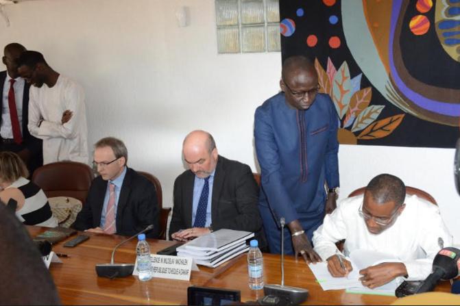 Le ministère des Transports aériens annonce le démarrage imminent des travaux de reconstruction des aéroports de Saint-Louis et Ourossogui-Matam