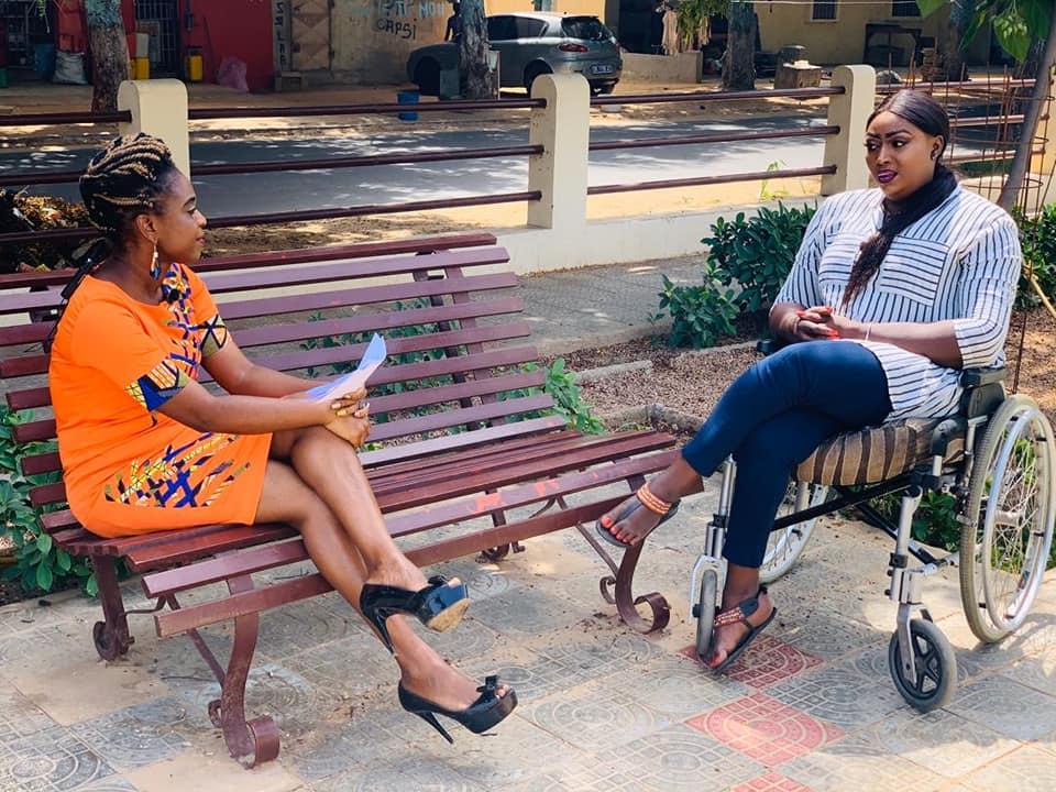 Yama Ndiaye, mannequin en fauteuil roulant, Soutenue par sa fille