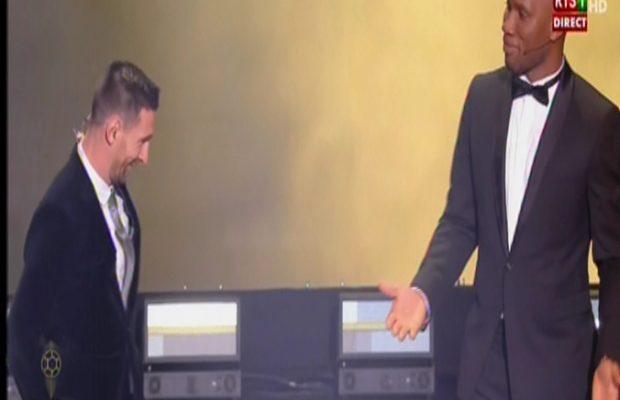Messi remporte le Ballon d'Or ! devant Cristiano Ronaldo et Sadio Mané