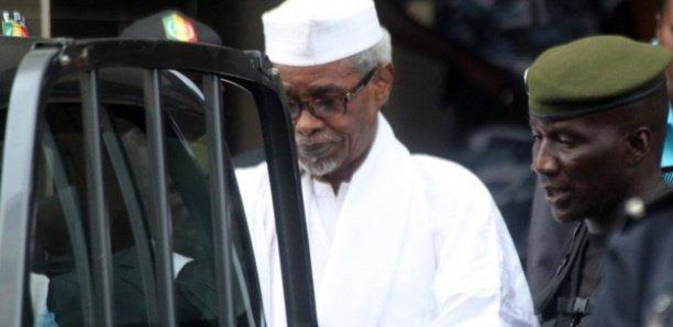 Victime d'une fracture: le président Habré sans soin dans sa cellule depuis 15 jours, selon ses proches