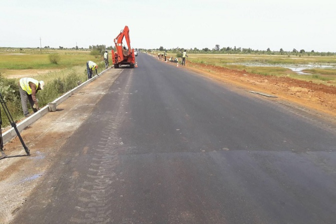 Me Oumar Youm, ministre des Transports terrestres: « Plus de 1862 km de routes revêtues depuis 2012 pour un montant de 2000 milliards de FCfa »