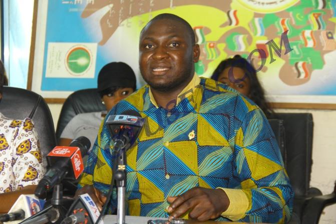 Assemblée nationale : Toussaint Manga invite le gouvernement à transformer les bourses familiales en bourses d'étudiants